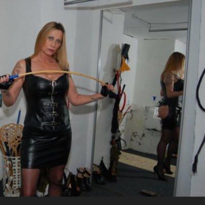 Dominatrix Jessica Black reveals all in new book Call Me